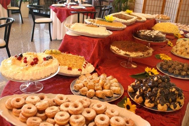 Buffet di dolci illimitato a roma al camps cafe for Dolci tipici di roma